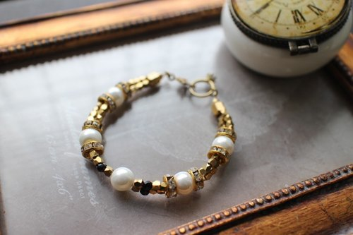 Mermaid ~ mother of pearl / brass / CZ / black onyx bracelet