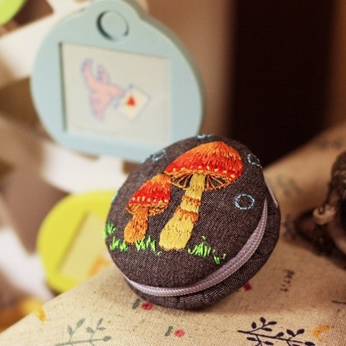 I was poisonous mushroom embroidery wedding small birthday gift macarons objects purse strap key ring hand-made
