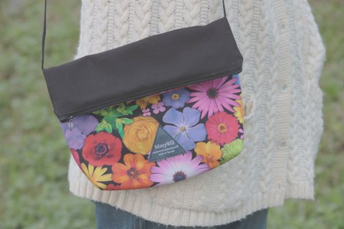 MaryWil Colorful Shoulder Bag-Red Flowers
