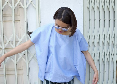 ❏ ❏ light blue smock square corners