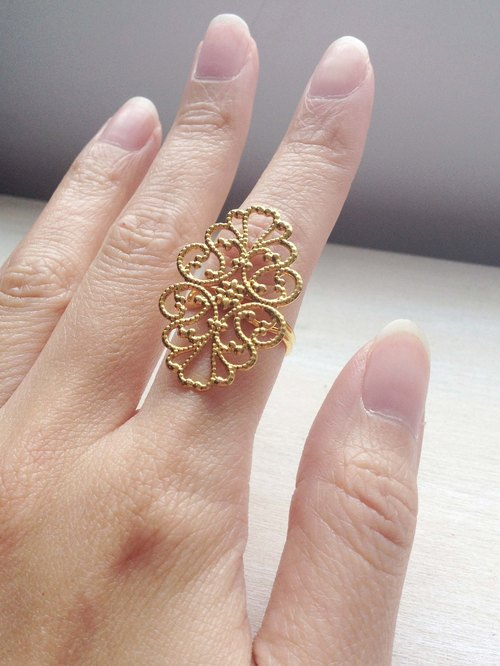 Nostalgic retro classic through ancient gold flower ring ring