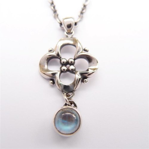 Classical Series 7 --- 925 sterling silver necklace Moonstone