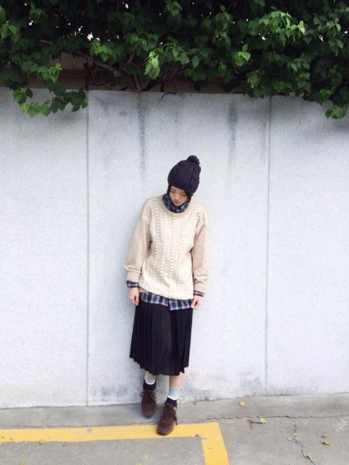 (Weather day) almonds mixed with white knit