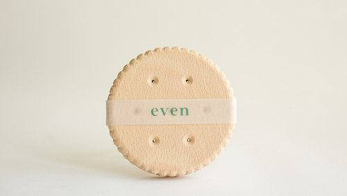 [Even] biscuit mat / wood two-in / birthday gift