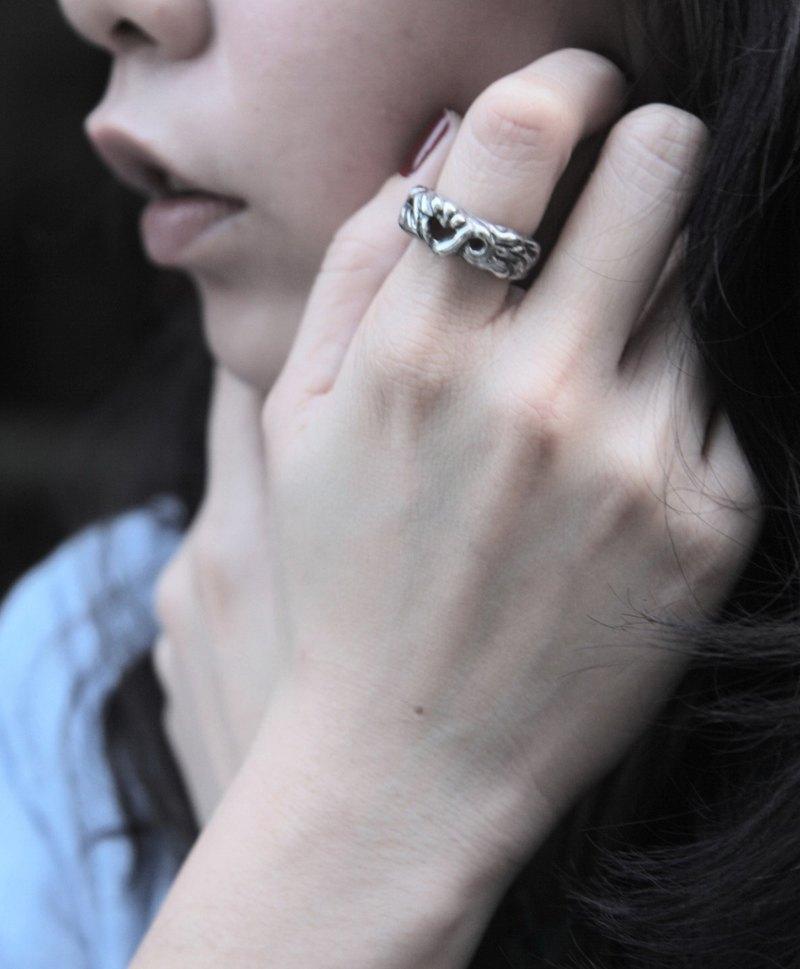 愛心造型純銀戒指