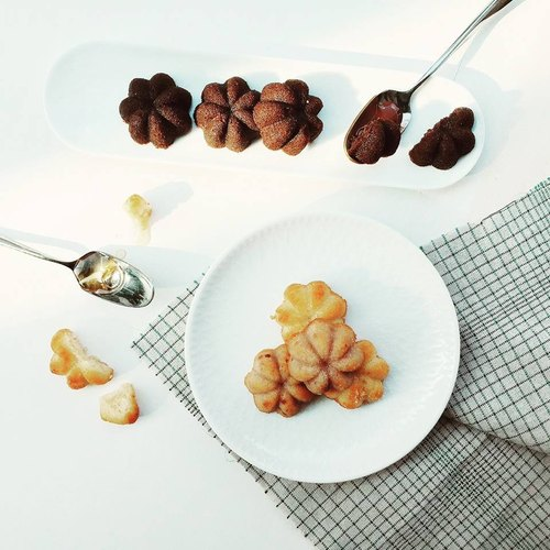 Three-quarters of French dessert [Fernando snow Financier]