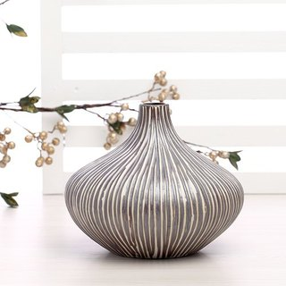 MONIQUE vase