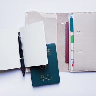 Travel notes Passport Holder / Cozy Leather Works