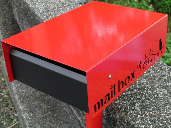 All stainless steel transfer letter box, red and black color gorgeous deep elegant fashion, with vertical pole,