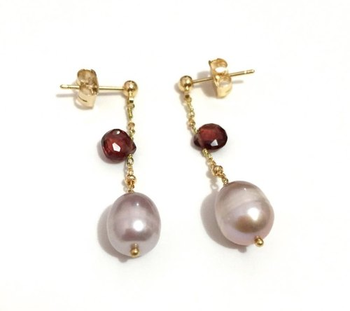 Simple Dangling Earrings with Pearl
