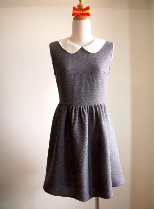 Vintage sleeveless dress - gray