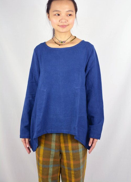 Large round vegetable dyes phthalocyanine blue long-sleeved shirt _ _ fair trade