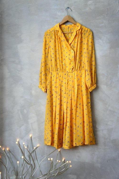Large yellow flower vintage one-piece dress