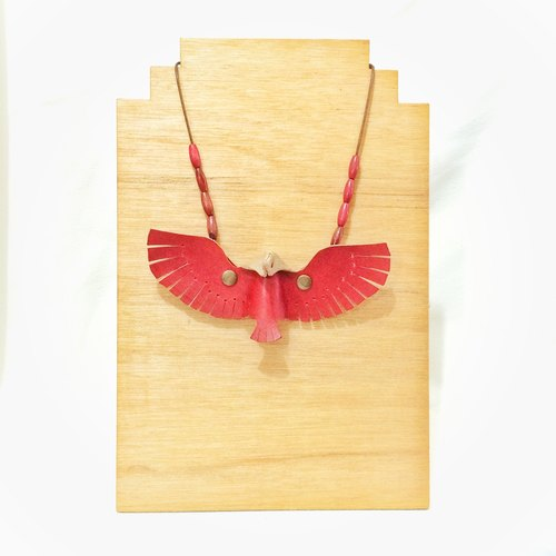 Follow Mie-U Fly I Fly - bird leather necklace - red