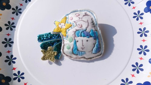 Crochet embroidery hand-painted villain children brooch hippocampus stars