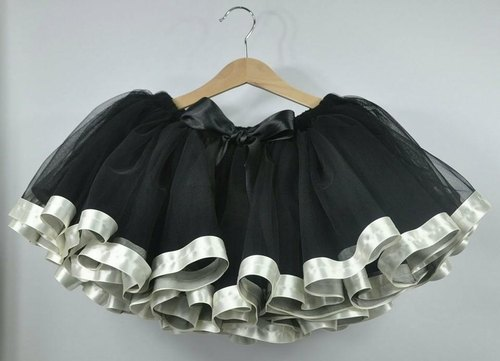 Angel Nina hand grip for fantasy black skirt Peng Peng Zhou is very suitable birthday party