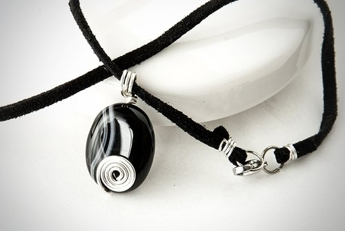 Black striped agate Necklaces (whirlpool) / wire / beads / leather material / handmade /