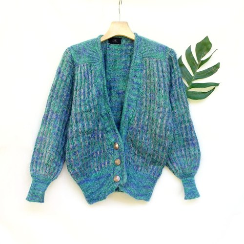 BajuTua / vintage / blue-green cardigan sweater necking