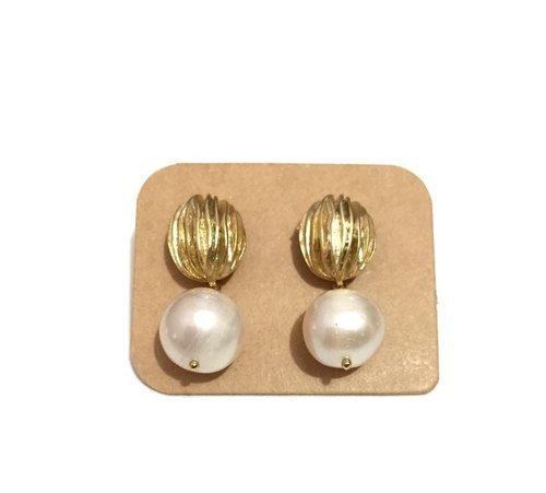 Little Elegant Earrings With Pearl