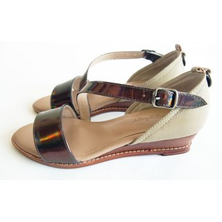 LUDVINE ▲ WEDGE SANDALS in full leather with bronze metallic patent leather sandals ●