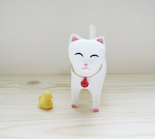 Smiling little white cat Lucky cat ornaments wood carving wooden handle healing decorations