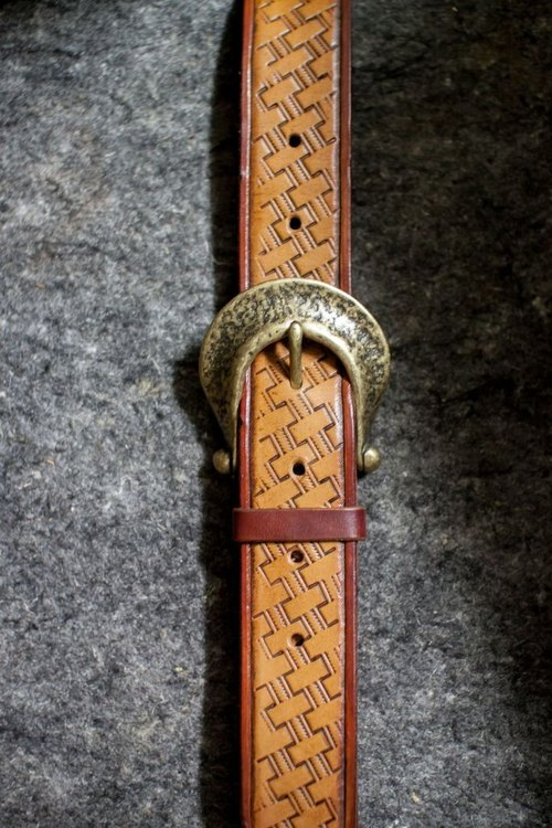 Leather handmade leather belts (3.5CM wide weave pattern)