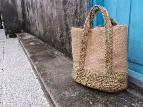 Picnic Tote - Mount wheat hand-woven ramie