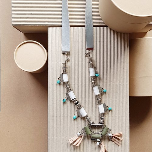 REENA Leather Blocking Necklace ///FOREST