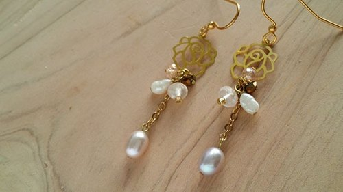 Kee Ling Tong set up as decorations - rose wild rose {name} import natural white pearl pink crystal copper crystal earrings Korea