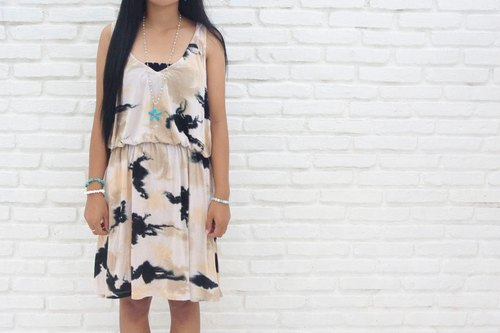 Uneven dyed Sleeveless Dress <Salmon Black>