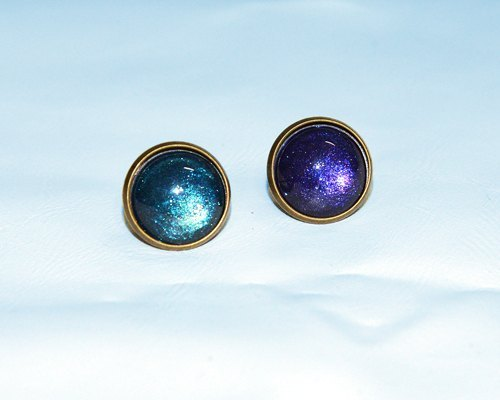 Blue-painted earrings (ear / ear clip)