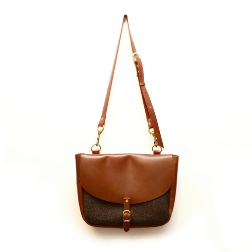 [Chinese] woolen handmade lady fakir 60's texture leather messenger bag for exclusive wool stitching