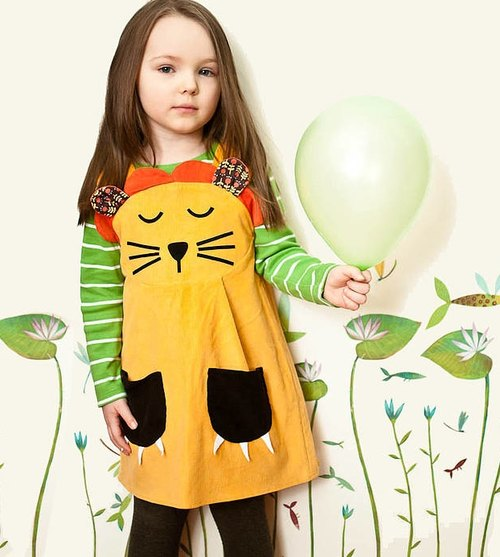 """Spot"" the British designer brand Wild Things 100% hand-sewn England - sleeping lion cub Dress"