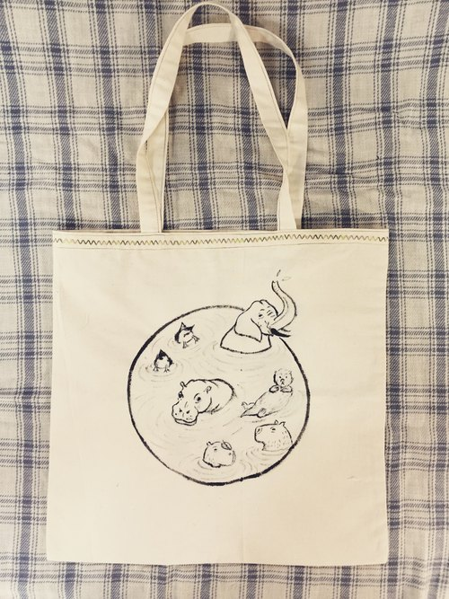 Hand-painted canvas bag / Everybody soaked!
