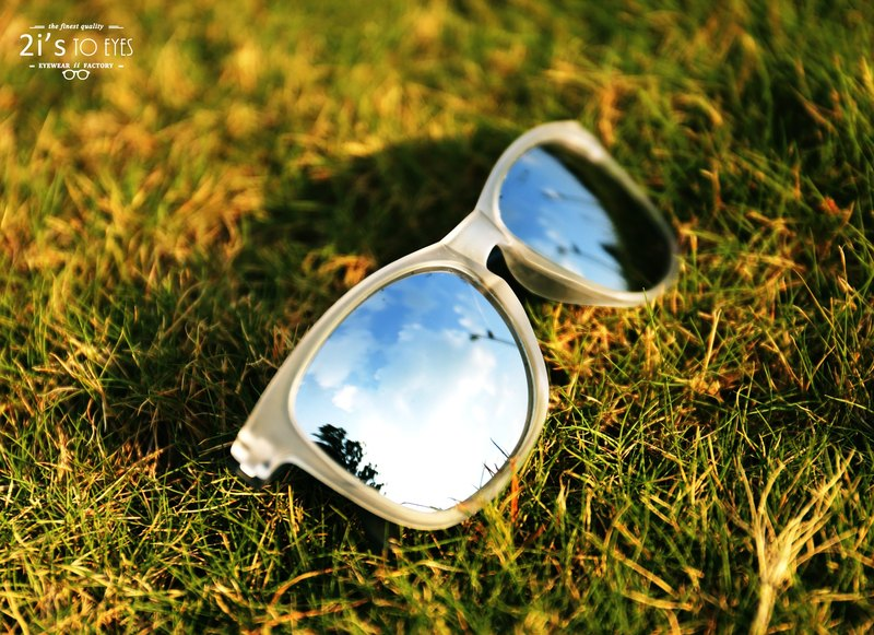Sunglasses│Transparent White Frame│Silver Lens│ UV400 protection│2is Victor
