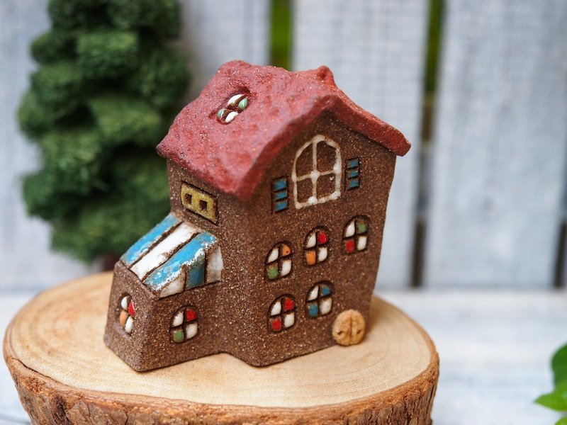 [Happy Village Happy Village] - super cute hand-made pottery small house / elf house