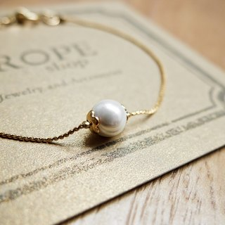ROPEshop's [Little White Dew] bracelet.