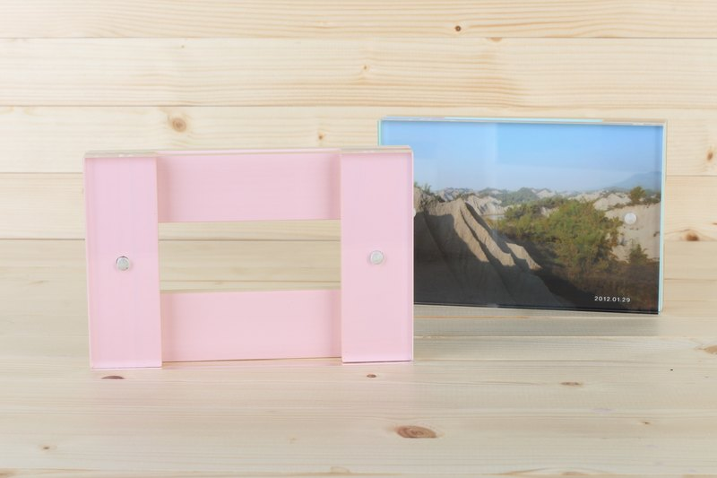 Solid wood photo frame 4'x6'