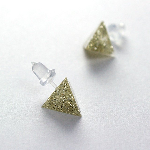 Triangle Earrings (Golden)
