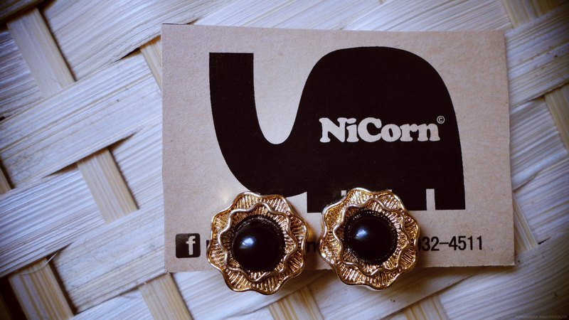 NiCorn hand made - hair happiness - gentle iron black roses retro earrings (ear clip-on)