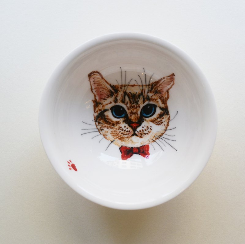 Great hand-painted teacup - blue-eyed kitten