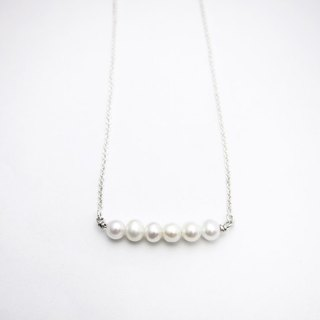 [BB] queued white pearl necklace. 925 Silver