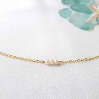 Small water pearl necklace