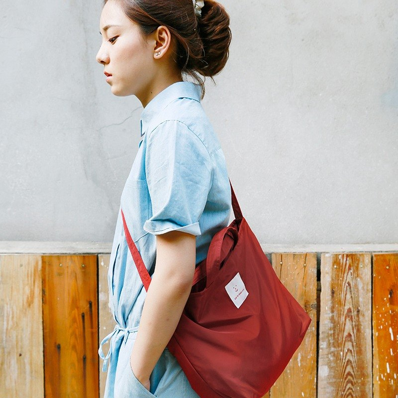 ntmy. Memory Fabric urban exploration bag messenger bag shoulder bag backpack oblique red wine