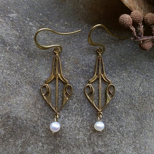 Art Nouveau freshwater pearl earrings
