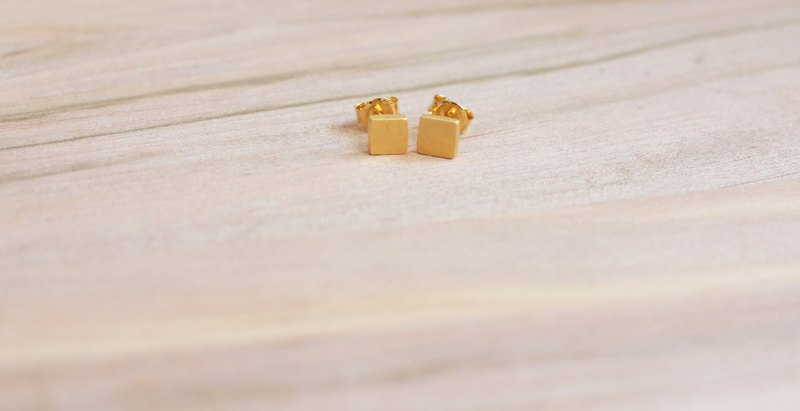 [ODY] HandMade × 24K GOLD PLATED × SQUARE EARRINGS × simple design hand-crafted sterling silver earrings gold-plated