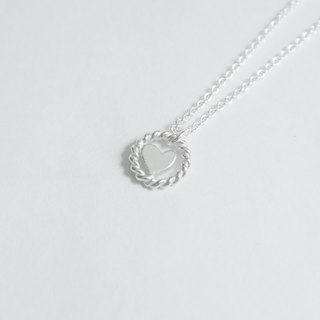 [Christmas (exchange gifts)] Eccentric sterling silver necklace