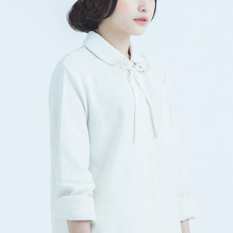peter pan collar shirt with detachable drawstring