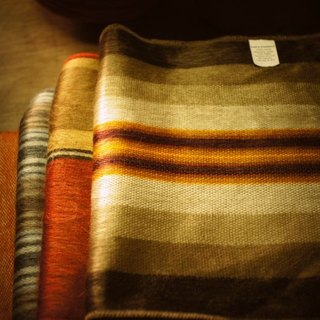 Vista [knowledge], South America, hand-made alpaca scarves mud horse