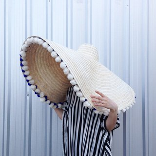 'BIN-DAI' Bamboo Beach Mega Hat in Cloudy White